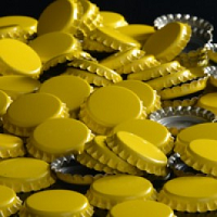 Yellow Crown Caps, 144 Pack